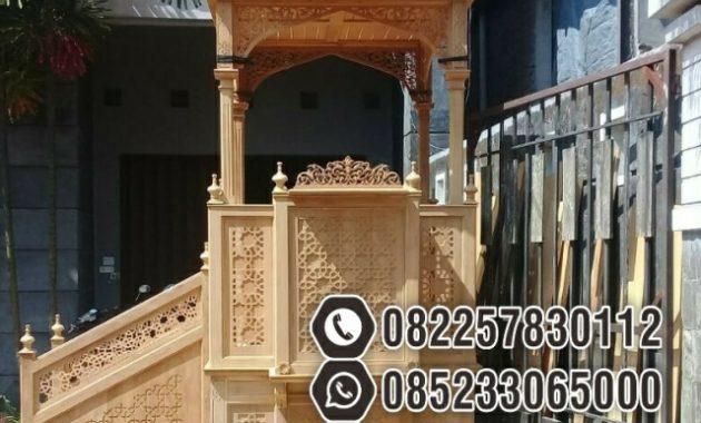 Mimbar Kayu Ornamen Arabic Masjid Besar Pekanbaru